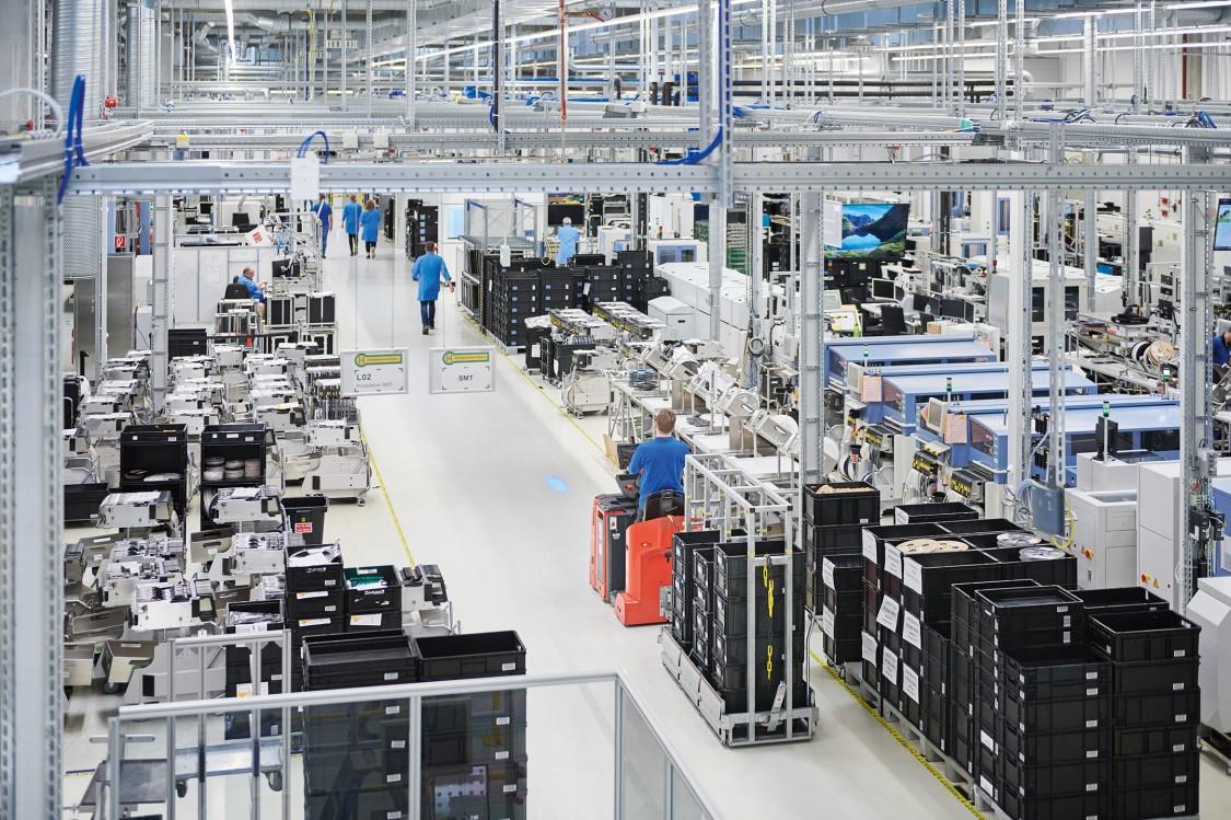 Siemens AG | Fürth | Deutschland Blick in Produktionshalle