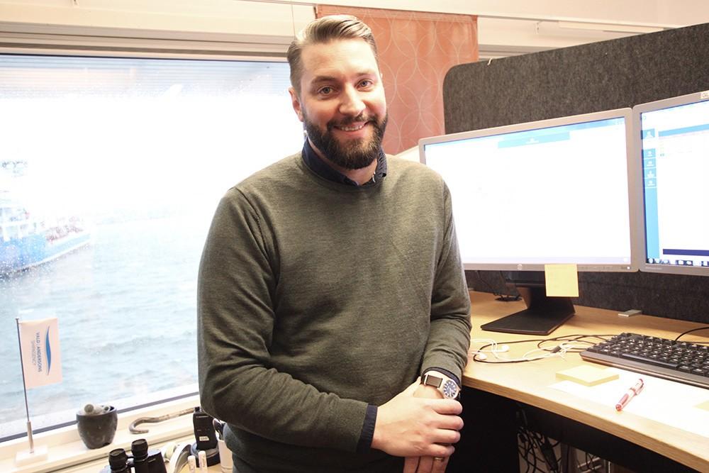 Produktionsplanerare Eric Berndtsson kan ägna sig åt andra saker de timmar som sparas med det nya automatiserade handhavandet för produktionsplanering av rörledningssystemet.