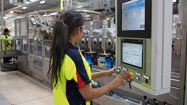 Chemical Industry | Market-specific Solutions | Siemens