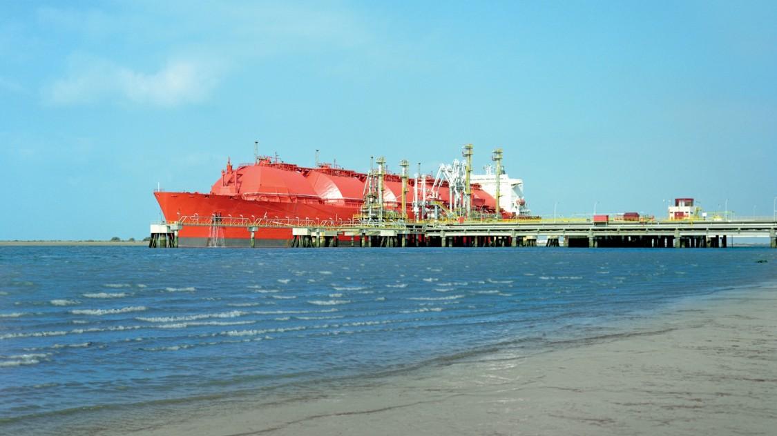 LNG tanker in Huelva