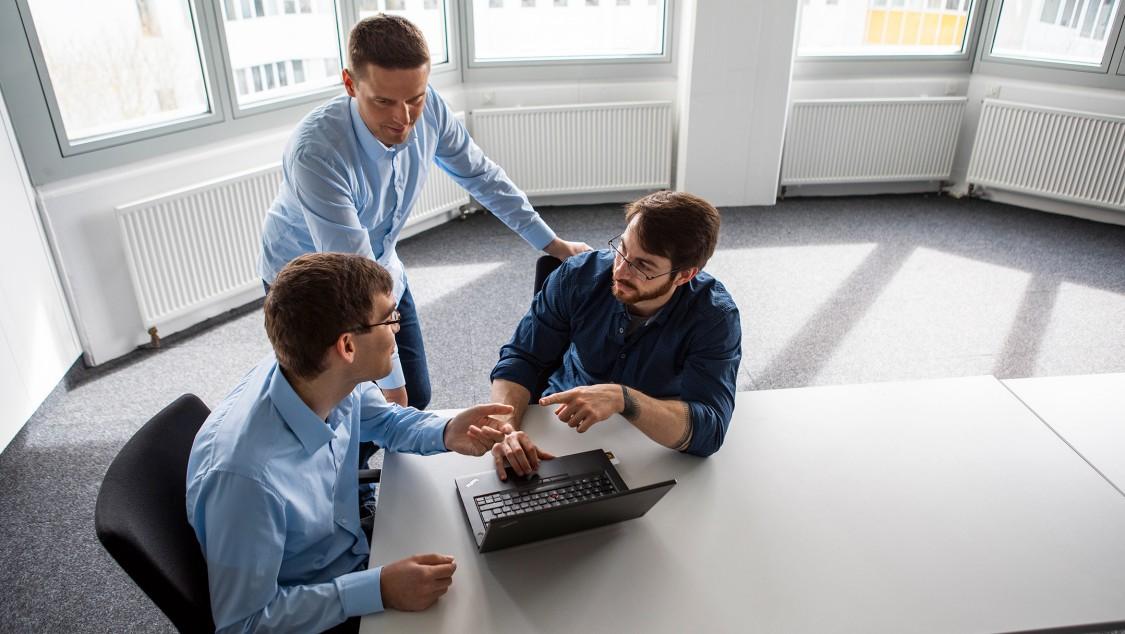 """das """"Security Vulnerability Monitoring"""" (SVM)-Team von Siemens"""
