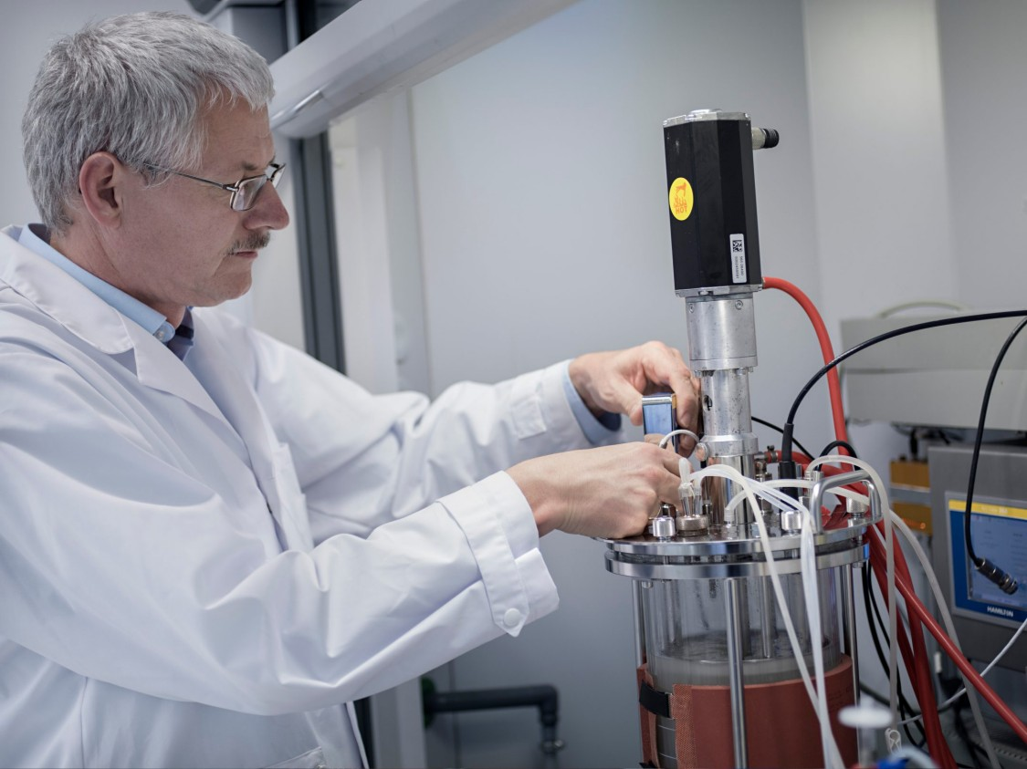 Siemens employee Martin Joksch at work at the Siemens bioprocessing laboratory.