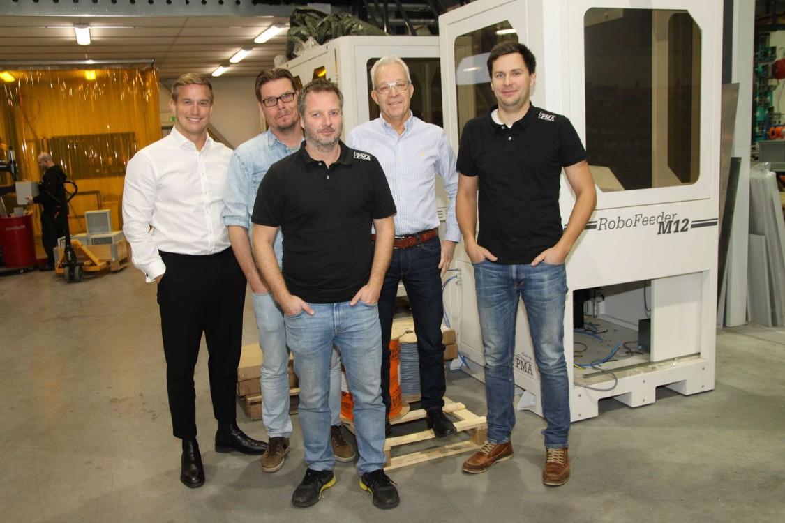 Joakim Prytz, finansieringsansvarig för Siemens Digital Industries på Siemens Financial Services, Magnus Persson, vice vd på PMA, Andreas Valentinsson, vd på PMA, Bengt Adler, säljare på Siemens Digital Industries, och Oscar Molin, säljansvarig på PMA.