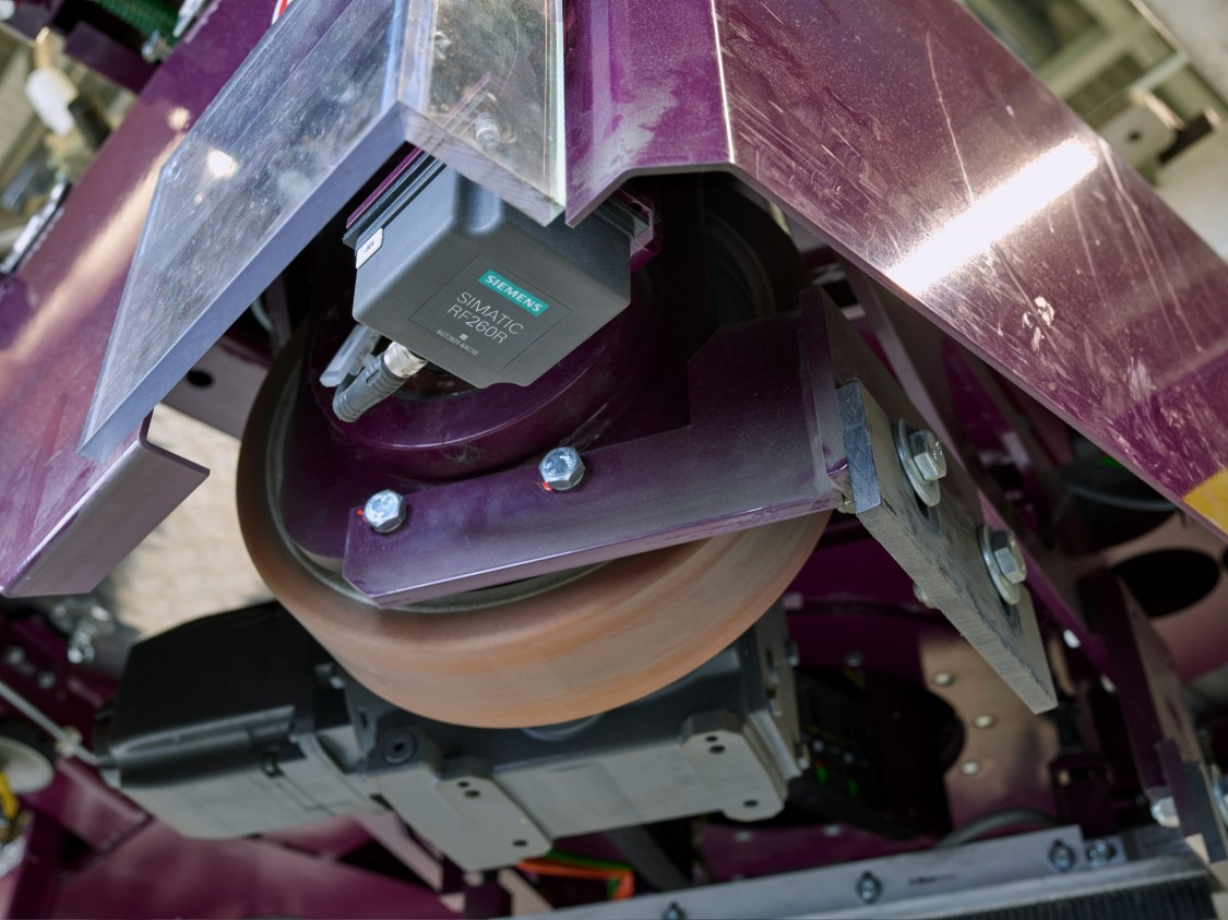 RF200 lector vehículos guiados automatizados