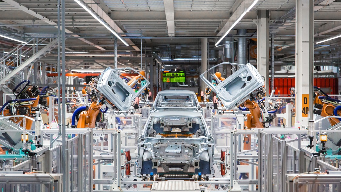 Automotive industry production hall