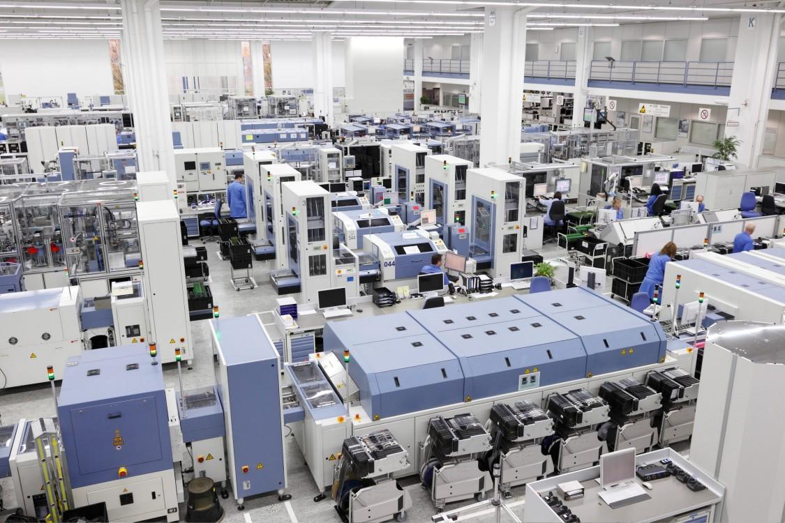 Linha de fabricação digital da Elektronikwerk da Siemens em Amberg, Alemanha