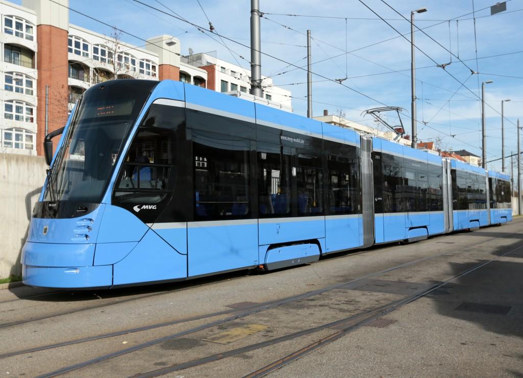Munich and Siemens present the first Avenio tram