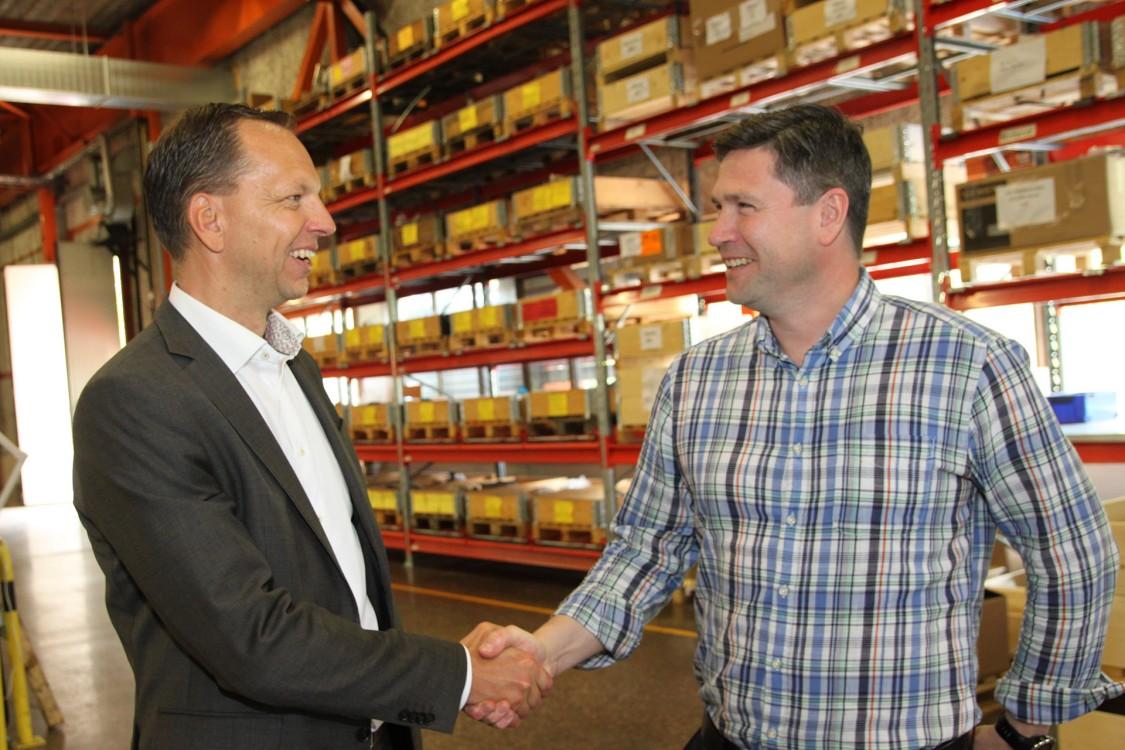 Mikael Kraft, affärsområdeschef för Factory Automation och Motion Control på Siemens och Johan Benzler, vd Jens S Group.