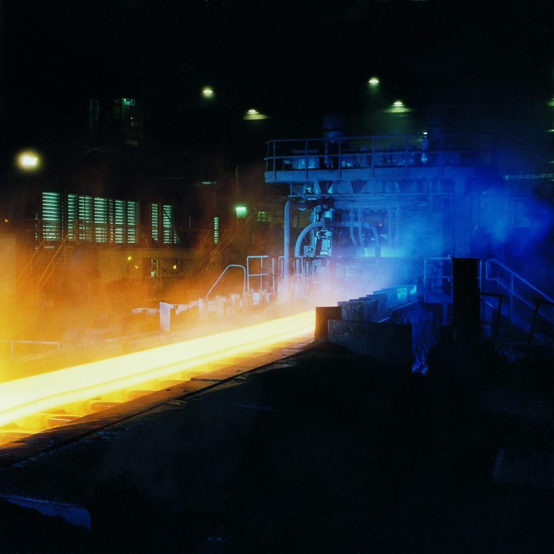 Roller conveyor in steel industry