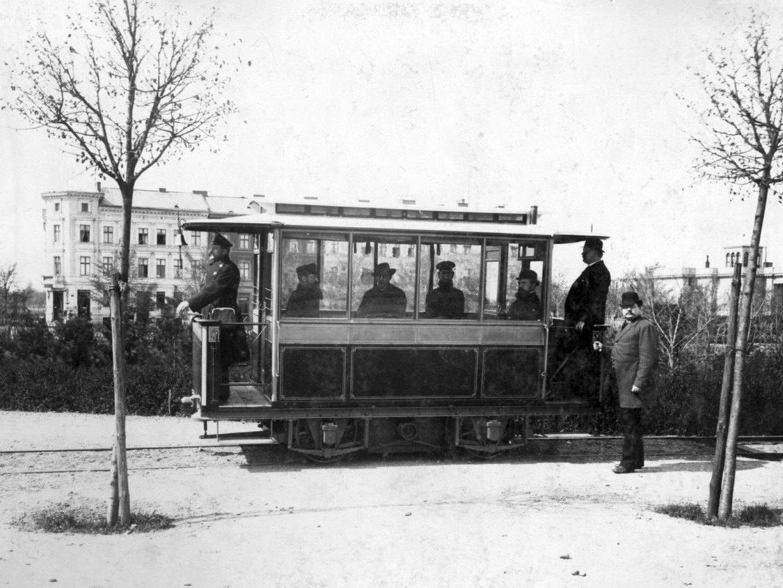 First electric tramway in Lichterfelde (near Berlin), 1881
