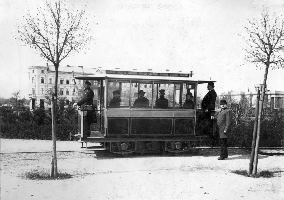 The world's first electric streetcar