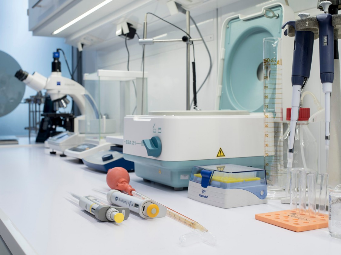 Research and application are combined in a reality-based environment at the Siemens bioprocessing laboratory.