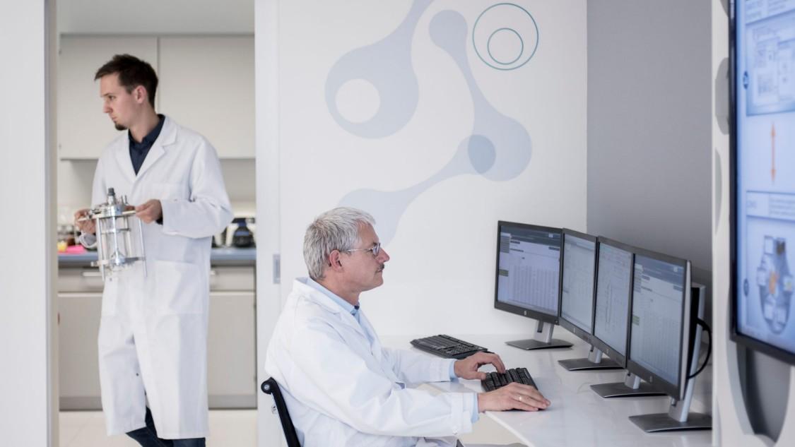 Digitalisierung ist ein zentraler Produktivitätshebel für die Industrie. Erkenntnisse aus dem Bioprozesslabor generieren echte Wettbewerbsvorteile.