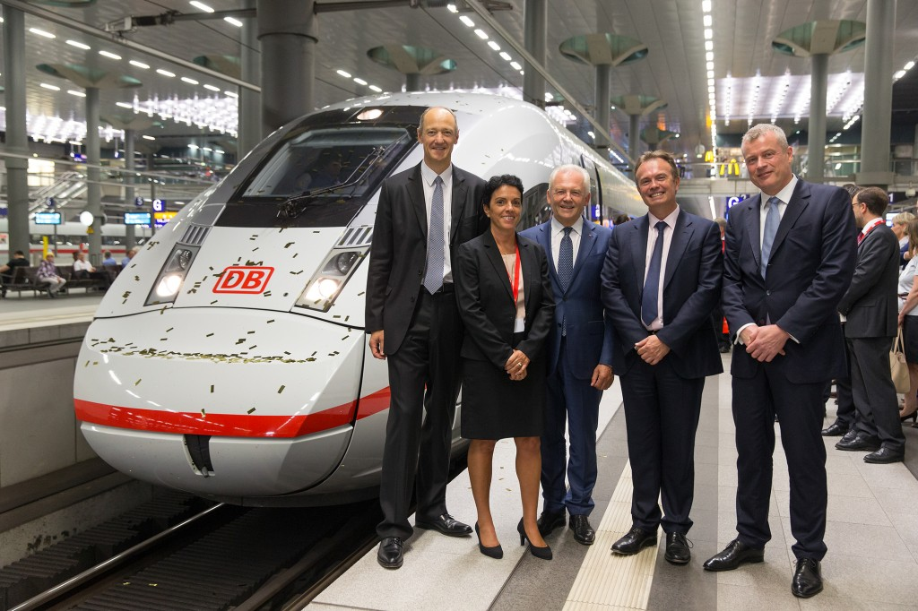 In the photo, from left: Roland Busch, Member of the Managing Board of Siemens AG; Sabrina Soussan, CEO Siemens Business Unit Mainline Transport; Dr. Rüdiger Grube, CEO of Deutsche Bahn (DB), Laurent Troger, CEO of Bombardier; and Jochen Eickholt, head of Siemens' rail business.