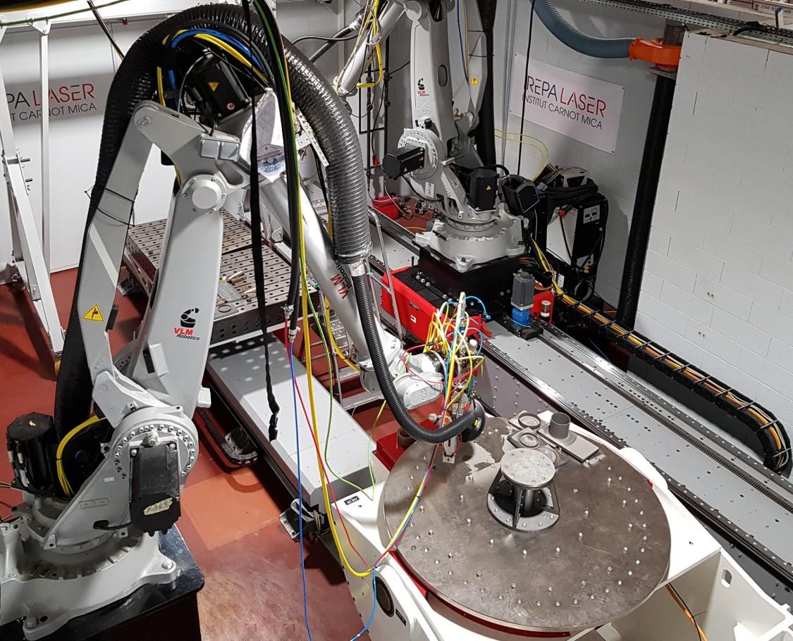 Solution bi-robots ici pour la fabrication additive du moule