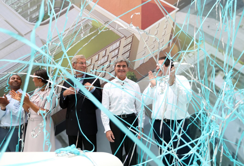Family celebration to open Siemens' new company headquarters