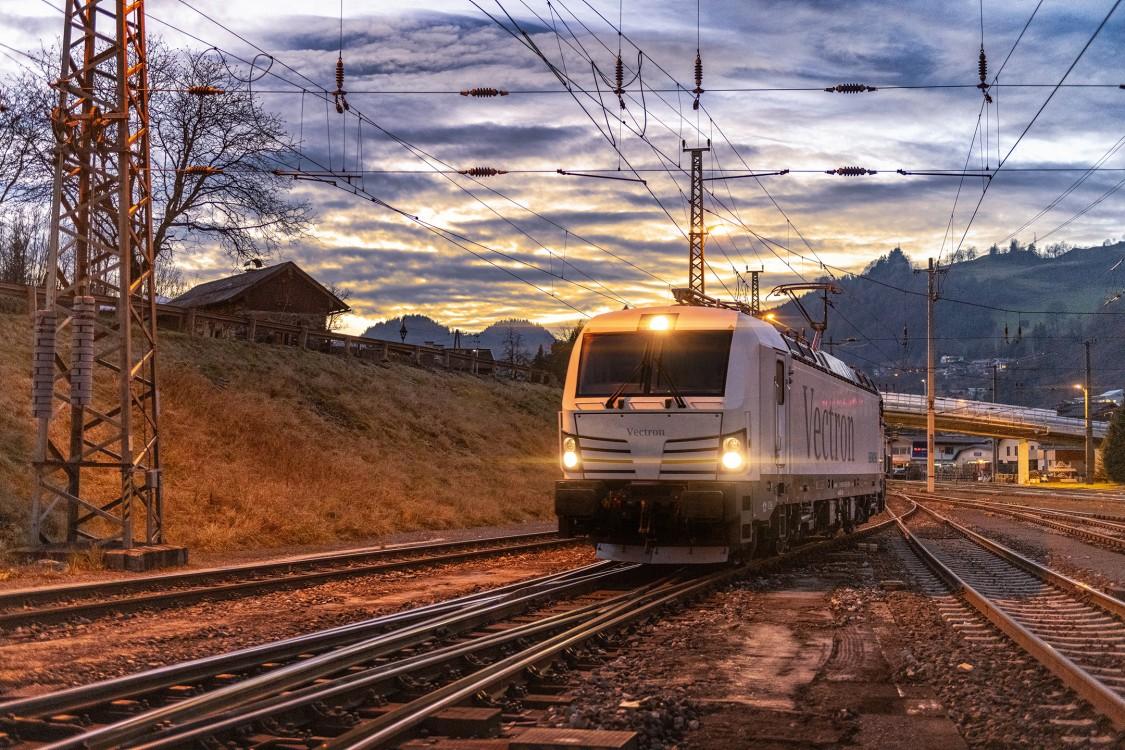 Az 1000. Vectron mozdonyt értékesítette a Siemens Mobility