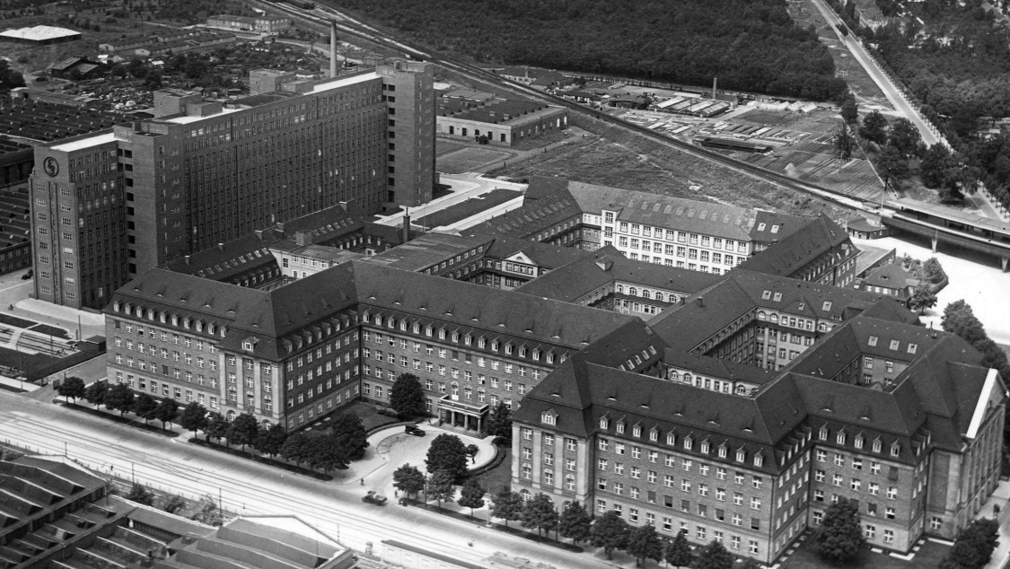 In the Heart of Siemensstadt – A historical look at the Administration Building