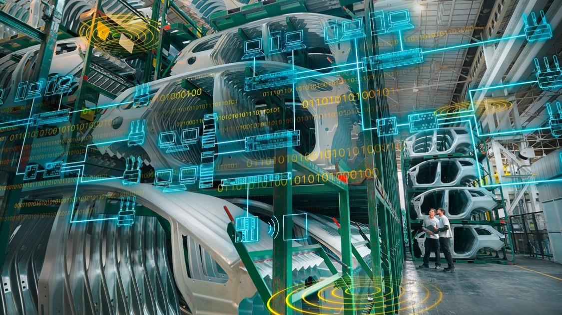 Skladovené automobily ve výrobním podniku s grafickými prvky průmyslové komunikace