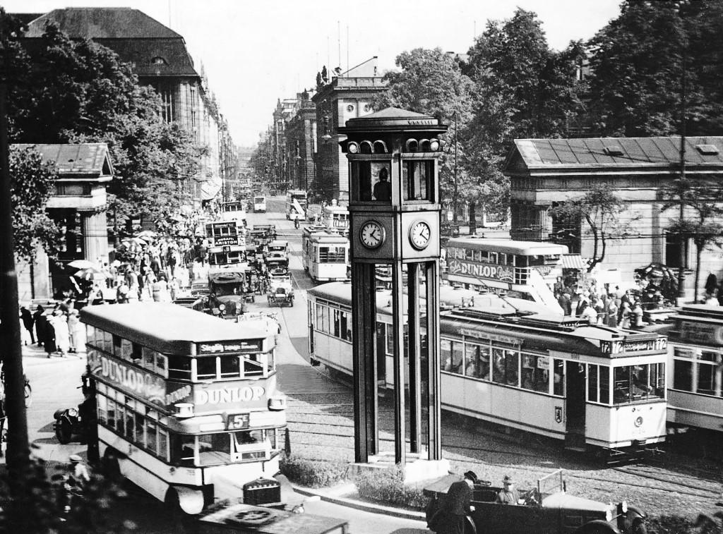 Verkehrssteuerung und -überwachung (1936)