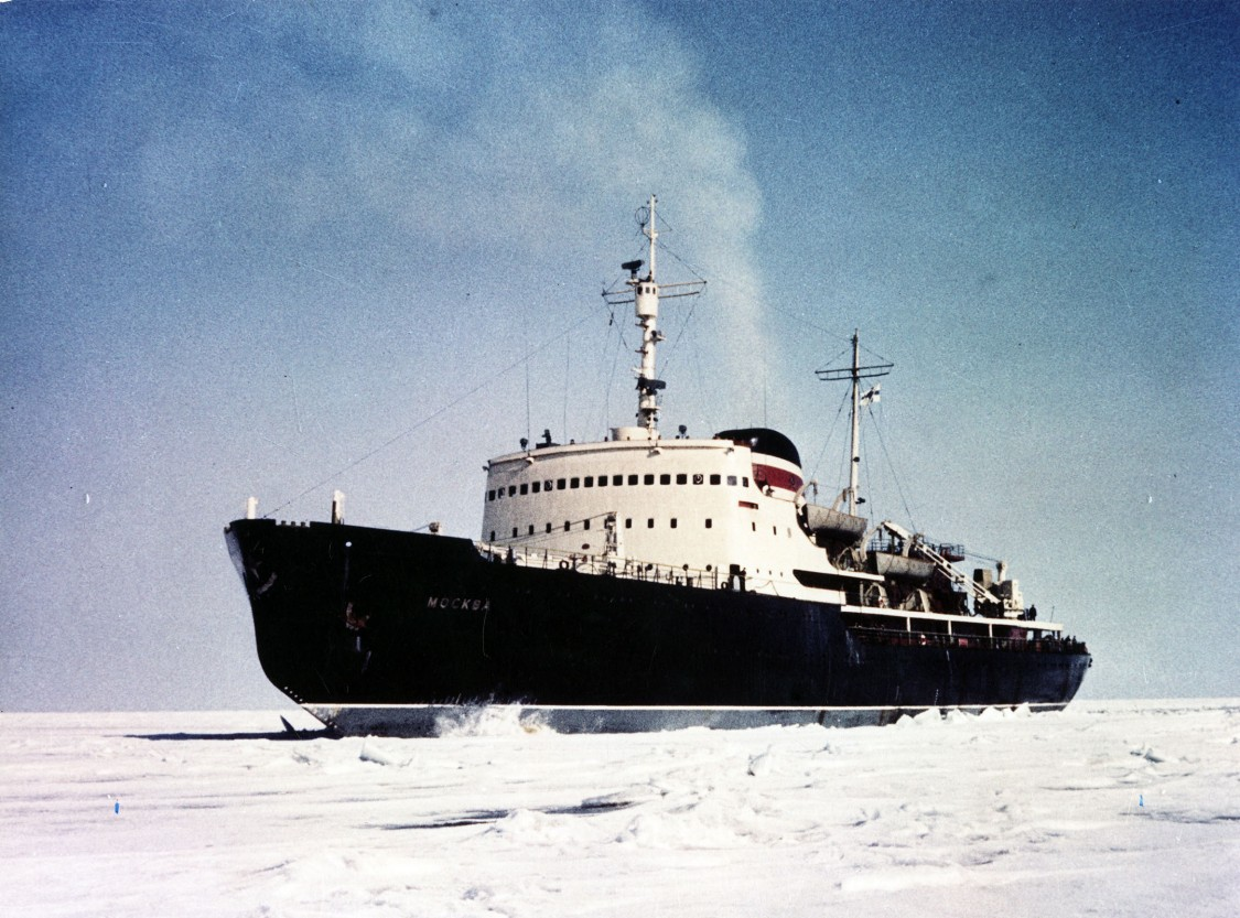 A real powerhouse, and a first step back into the Soviet market – the ice breaker Moscow, equipped with a 22,000 shaft-horsepower diesel electric drive, 1956