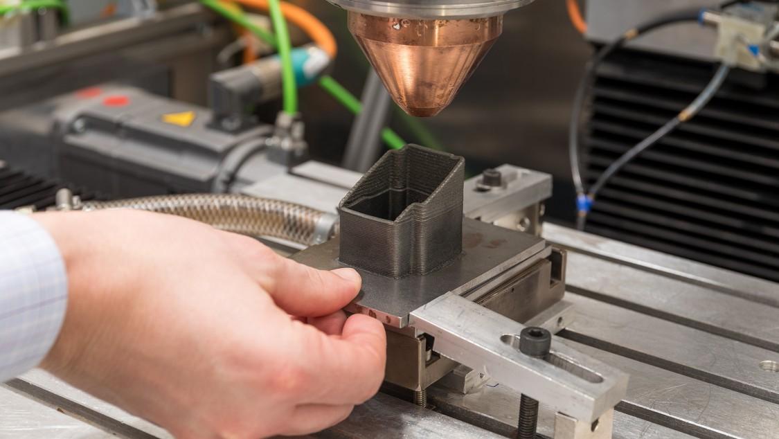 Laserauftragsschweißen bei Siemens