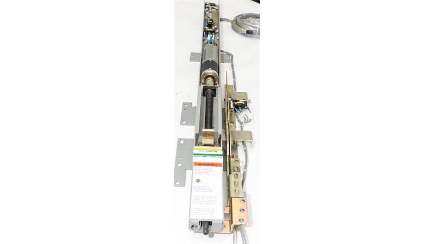 Circuit breaker racking mechanism with fixed-mounted motor