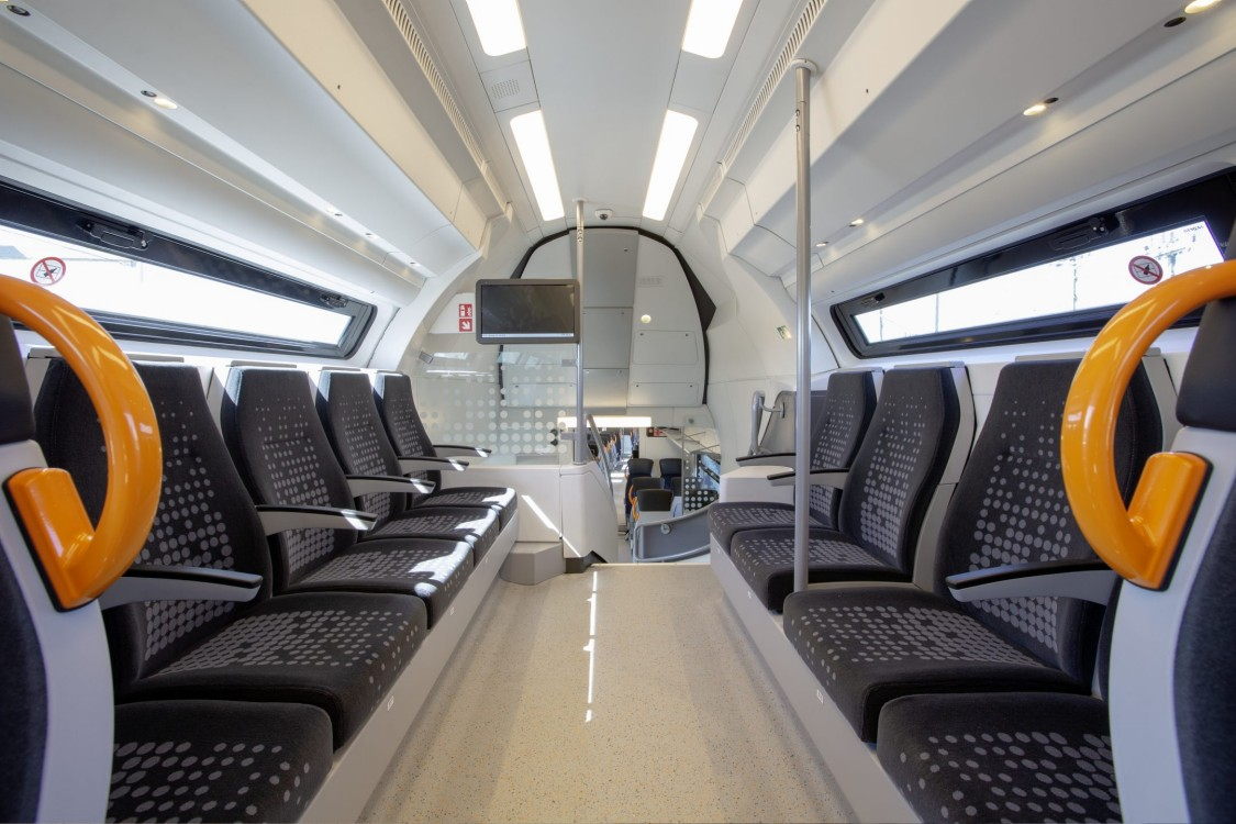 View into the upper passenger compartment of the Desiro HC.