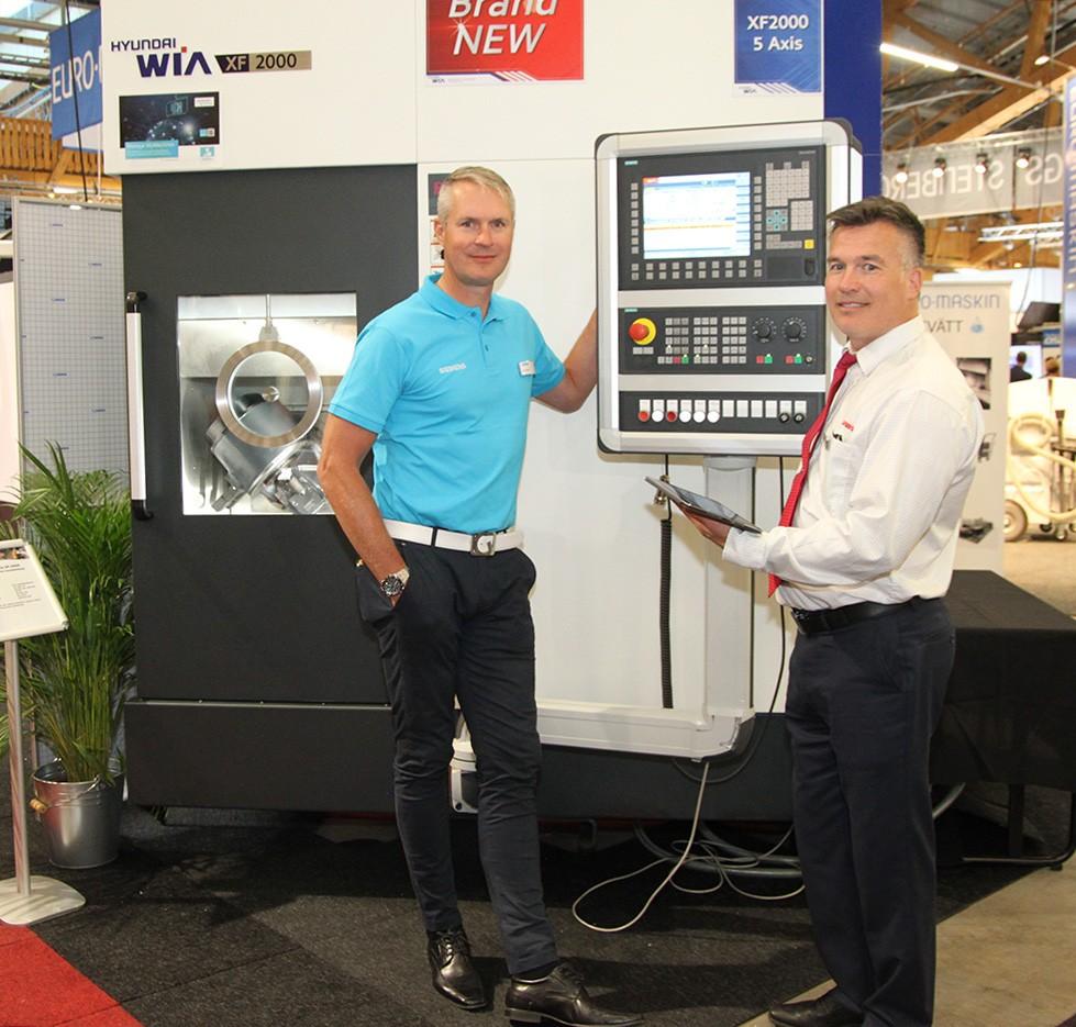 På Elmia Verktygsmaskiner visade Lichron bearbetningsmaskiner och robotlösningar. Ny och hetast var den uppkopplade fleroperationsmaskinen Hyundai-Wia XF-2000 med Siemens styrsystem Sinumerik 840D sl, uppkopplad mot Siemens IoT-plattform MindSphere. Med appen Manage MyMachines kunde maskinens status enkelt övervakas i realtid och maskindata samlas in.