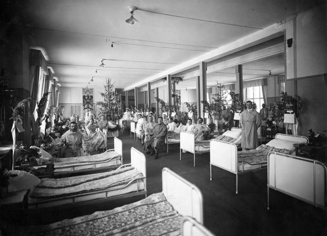 Military hospital in the administration building, 1914