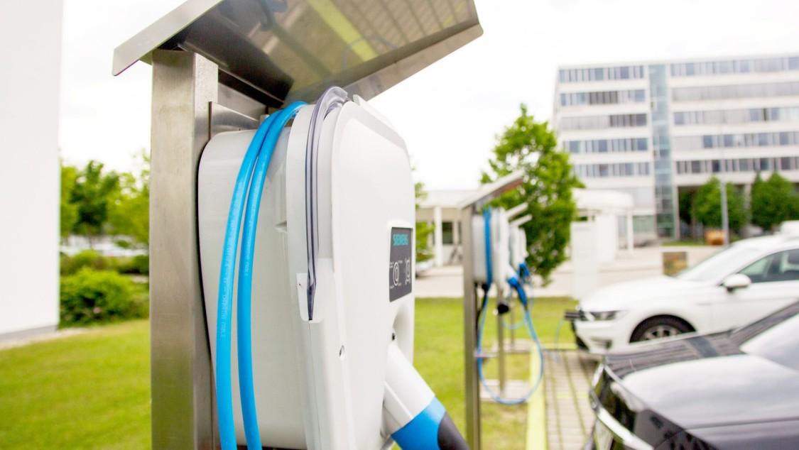 Charging unit VersiCharge IEC | Electric vehicle (EV