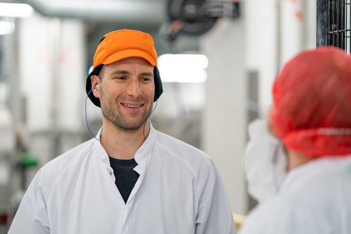 Fazerin Lappeenrannan-makeistehtaan valmistusyksikön päällikön, Heikki Ovaskan, vastuulla on koko mix-tuotanto.