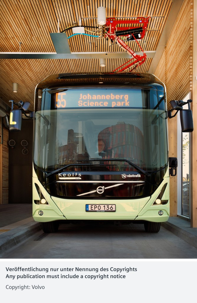 In the picture: The fully electrified bus at the indoor charger station at Chalmers Science Park Johanneberg.