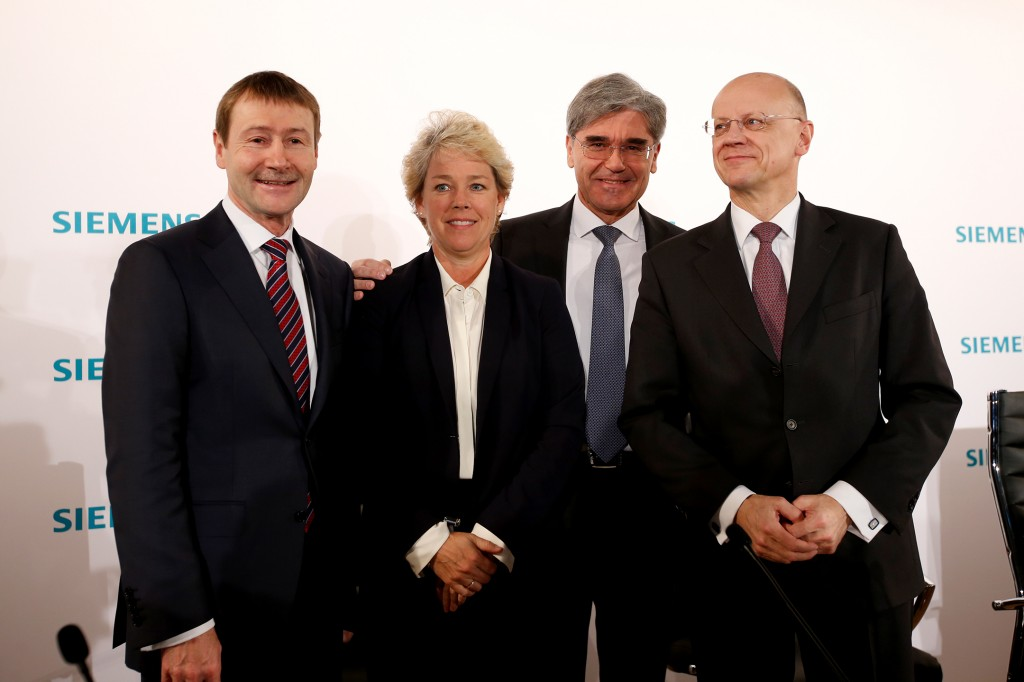 In the photo from left to right: Klaus Helmrich, member of the Managing Board of Siemens AG; Lisa Davis, member of the Managing Board of Siemens AG; Joe Kaeser, President and Chief Executive Officer of Siemens AG and Dr. Ralf P. Thomas, member of the Managing Board and Chief Financial Officer of Siemens AG.