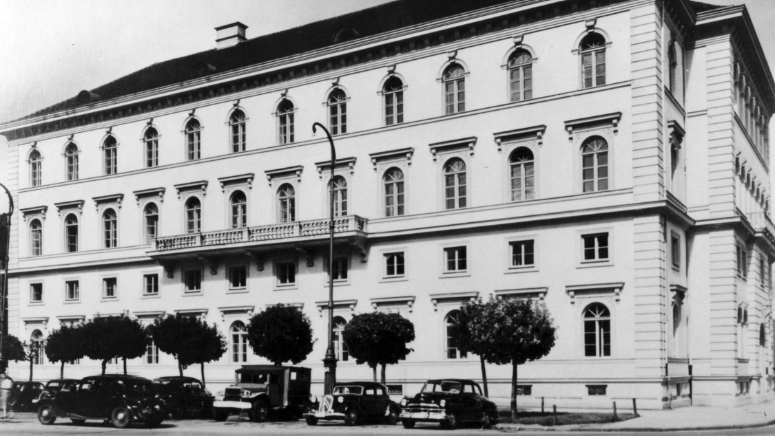 Corporate headquarters in the heart of Bavaria's capital – the Ludwig Ferdinand Palais, Munich (1949)
