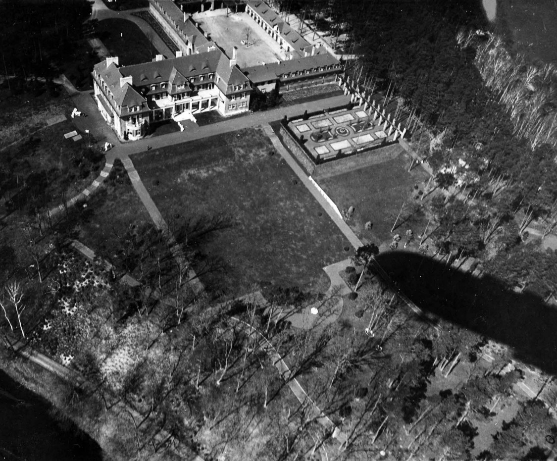 Air view of Heinenhof estate, 1911