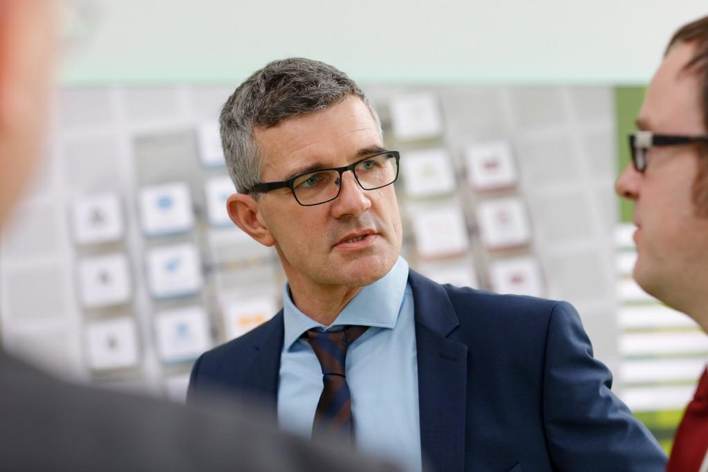"""Prof. Dr. Friedrich Paulsen im Pressegespräch """"Jugend forscht"""" am 6. Februar 2017"""