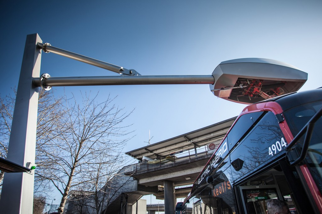 Electric hybrid bus line in Stockholm uses Siemens charging system