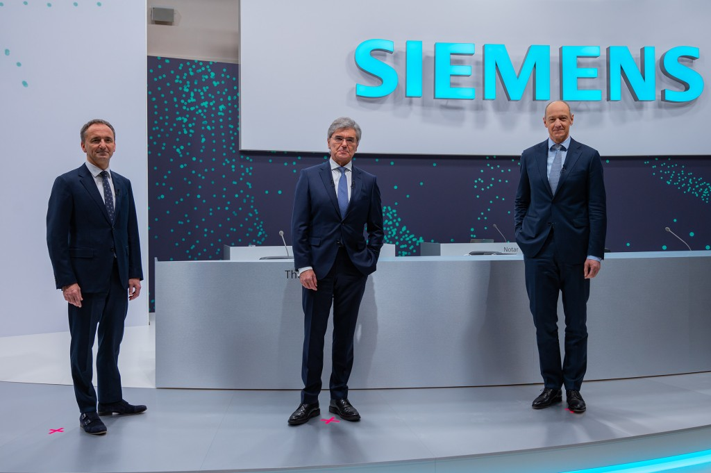At the beginning of the 55th Annual Shareholders' Meeting of Siemens AG on February 3, 2021, at the company's headquarters in Munich: Jim Hagemann Snabe, Chairman of the Supervisory Board of Siemens AG; Joe Kaeser, President and CEO of Siemens AG