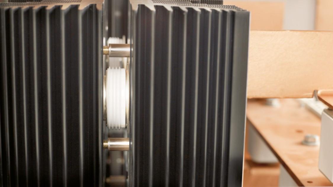 Retificadores de diodos extraíveis Sitras REC-W da Siemens para alimentação de tração CC.