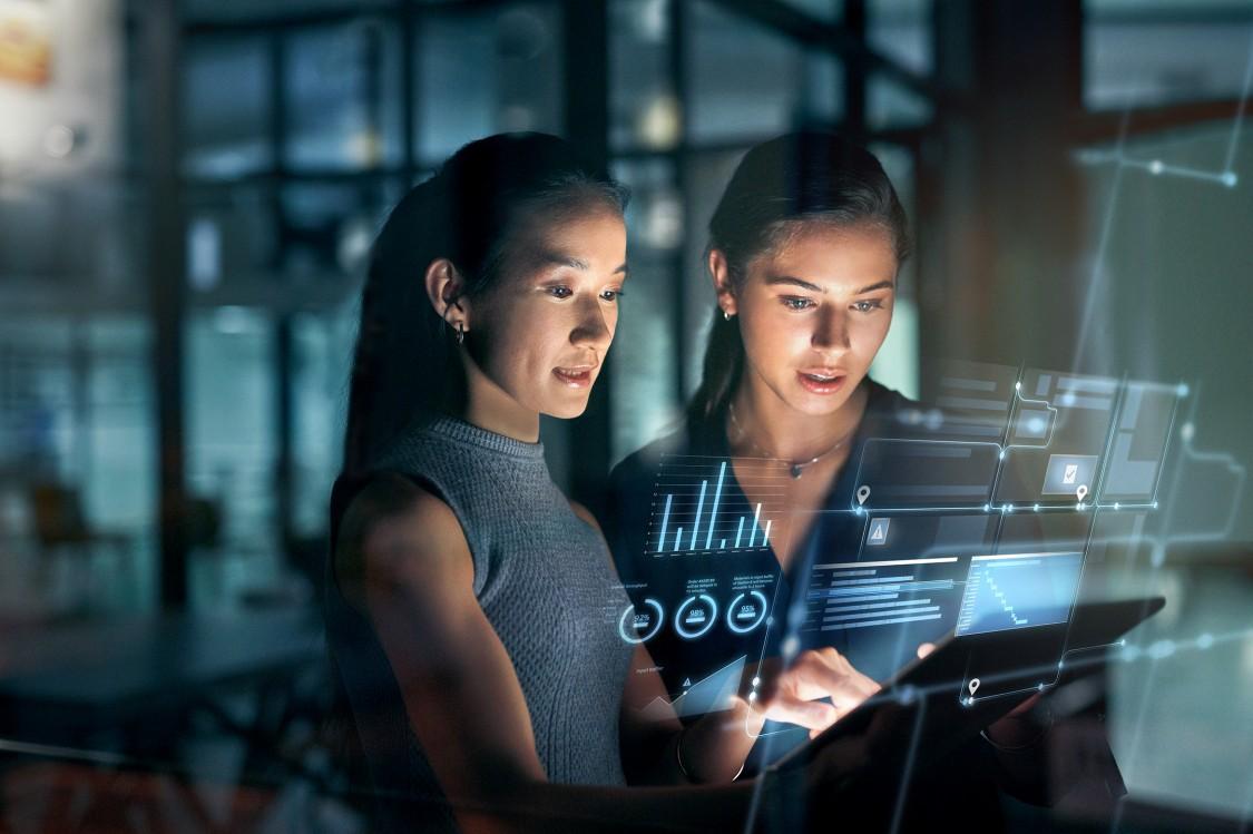 Mit der Software Location Intelligence für Lokalisierungssysteme können Sie die Abläufe in Ihrer Produktion und Logistik optimieren