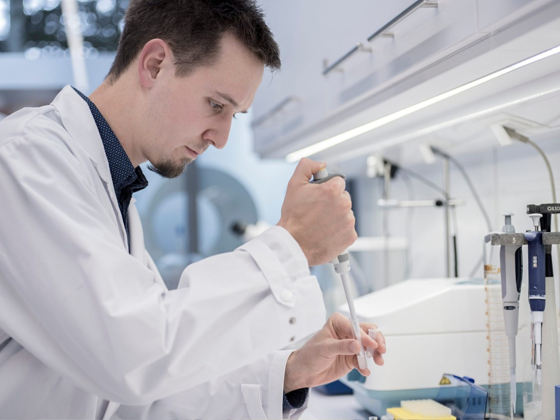 Siemens employee Johannes Scheiblauer can perform quality testing during the process.
