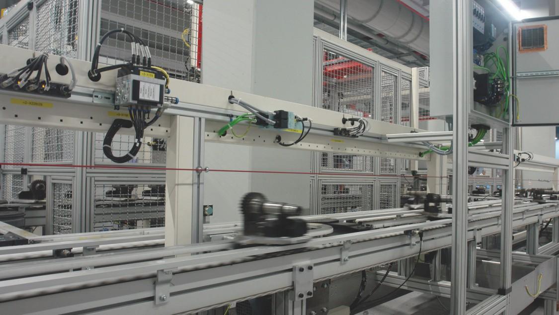Reducing maintenance work in conveyor systems