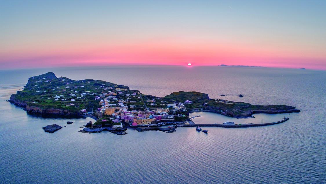 Eine netzferne, italienische Insel