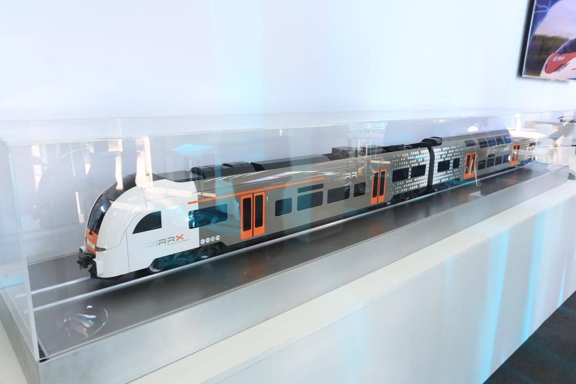 Модель двухэтажного пассажирского поезда на основе Desiro HIGH Capacity (HC), который в настоящее время эксплуатируется в Германии