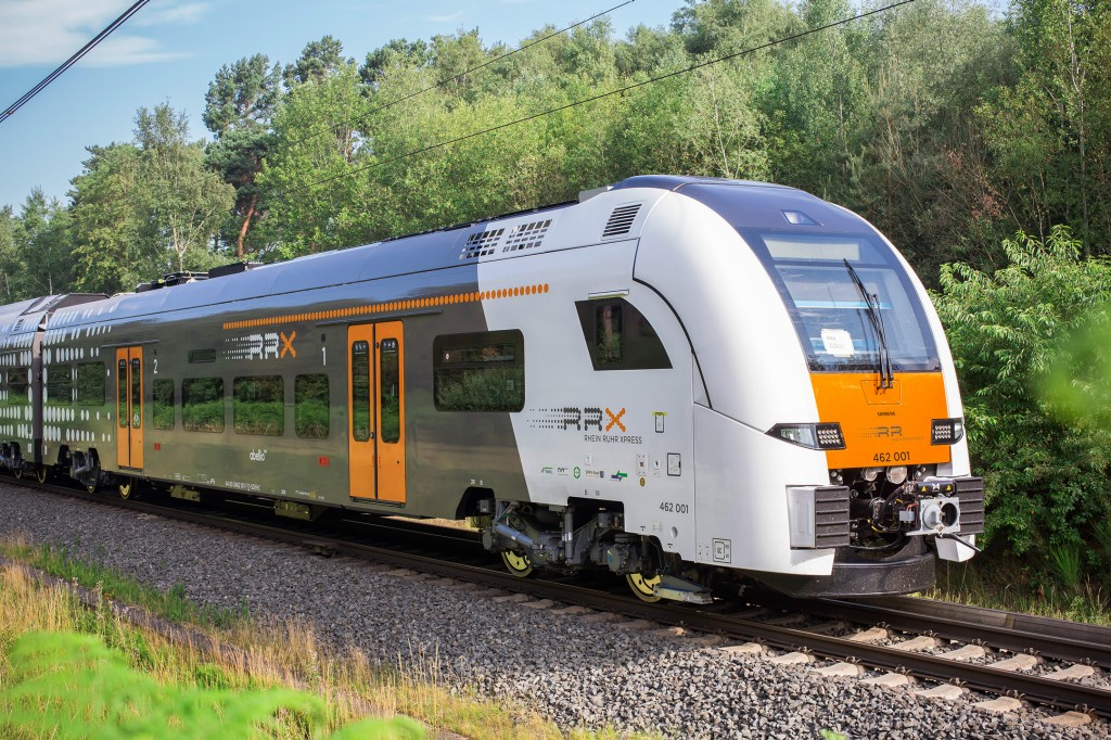 Prototyp des Rhein-Ruhr-Express vorgestellt