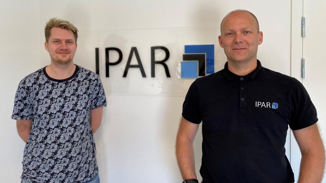 IPAR:s Gustav Petersson, automationsingenjör, och Mathias Svensson, delägare, hyllar smidigheten med Industrial Edge.