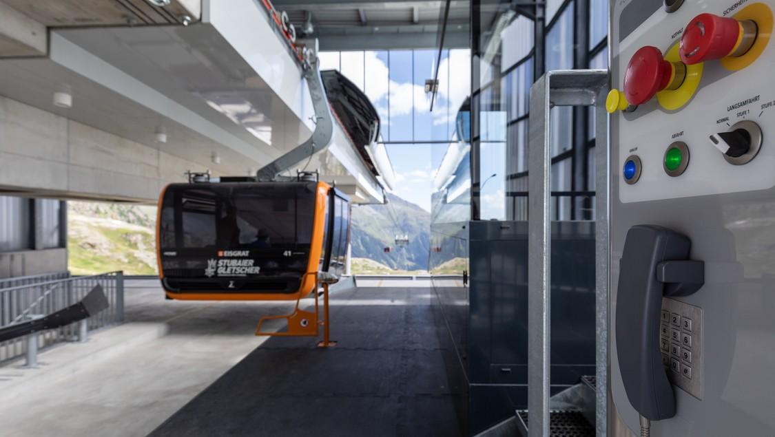Ski lift standardizing on SIRIUS Act pushbuttons