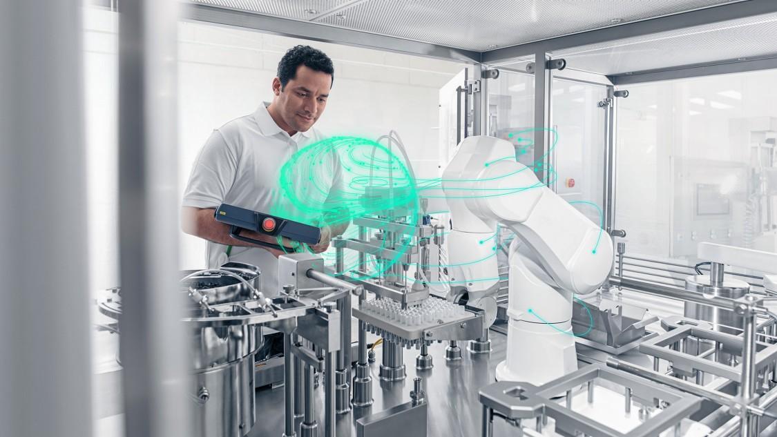 Robot integration key visual