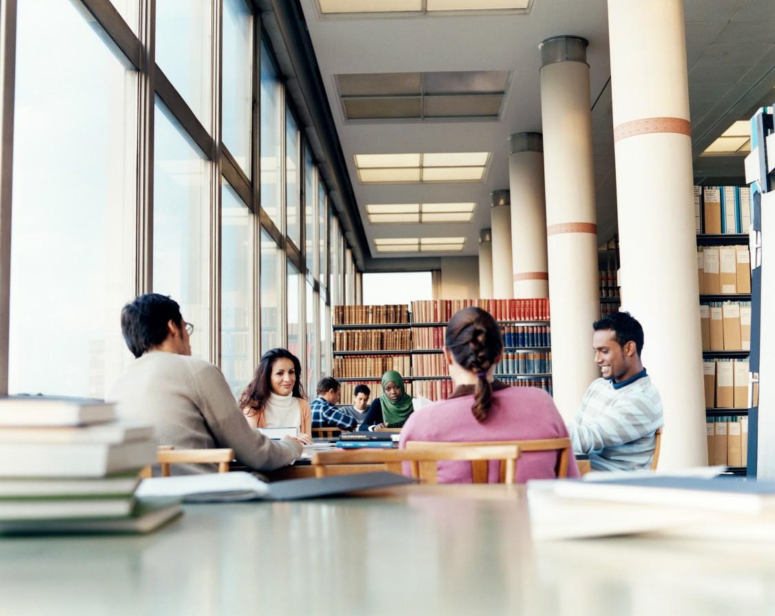 Hochschule: Wir wollen hervorragende wissenschaftliche Leistungen mit praktischem Bezug unterstützen und auszeichnen.